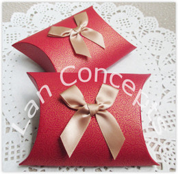 Free shipping DIY Party Favor Box Wedding Candy Packaging Pillow Box with a bow - 120 pcs  lot LWB0279R red