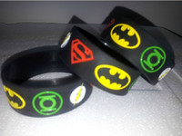 Wholesale 50pcs Unique Design Superheros Wide Band Teens Men Ladies Silicone Wristbands Kids Adults Flash Batman Cartoon Rubber Plastic Bracelet Gift