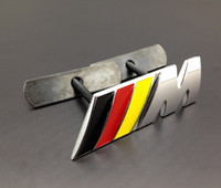 Wholesale Excellent M Front Grille car Badge Black red yellow Color sticker For BMW M3 M5 M6 Series X1 X3 X5 X6 E36 E46 E92 car emblem