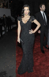 Wholesale New Arrival Kim Kardashian Black Beaded Lace Evening Gown Celebrity Dress Replicas Golden Globes Black Evening Dresses