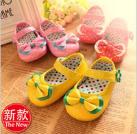 Unisex baby shoes china - 30 OFF yards non slip soft soled shoes dot bow square mouth shoes cheap china shoes sale baby wear kid shoes pair ZL