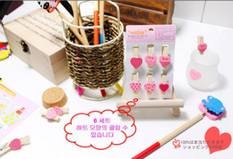 Wholesale Freen Shipping red Pink Color Heart shape wooden clips Mini Wooden Clothes Peg Mini Clips for Wedding Favors