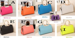 Wholesale 2014 Hot Sale Gorgeous Simple Different Colors Bridal Hand Bags Wedding Accessory