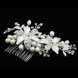 Wholesale Wedding Bridal Hair Comb Crystal Floral Ornaments Pearl Fine Jewelry Hair Brush Wedding Dress Accessories HL013080