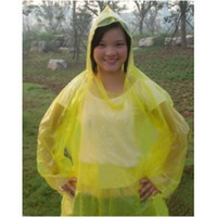Wholesale disposable raincoat Fashion clear rain coat plastic raincoats hooded raincoat women and men cheap rain wear