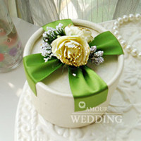 Wholesale New Style Green Purple Flower with Ribbon Candy Boxes Round Cardboard Wedding Favor Holder Party Gift Box a