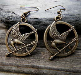The Hunger Games Mockingjay Pin Brooch~ Katniss Everdeen - New In Package! Giftable!
