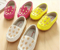 Spring / Autumn Round Toe Medium Outdoor Small Middle Baby Kids Leather Shoes Korean Gilding Fashion Skull Boys Girls Casual Shoes 3 Colour 21-25 5pair lot QZ02