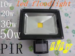 led outdoor flood light with sensor PIR led 10w 20w 30w 50w spotlight Waterproof Flood Lamp PIR Motion Sensor Outdoor Motion