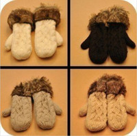 Wholesale G twist lovely lady winter pure manual weaving upset warm feather fashion hang neck wool gloves W4201
