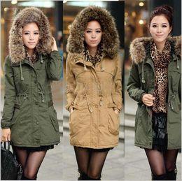 Promotion lignes de capot Dame d'hiver grosse fourrure amovible Coat Hood, armée faux vert veste manteau de doublure en laine , vêtements de mode manteau, manteau de dame, manteau d'hiver dame