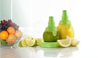 Wholesale 2pcs Citrus Fruit Lemon Orange Juicer Spray Salad Lime Mist Sprinkling Extractor