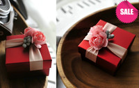 Wholesale Graceful Royal Style Hand Made Wedding Favor Gift Rose Wedding Candy Box With Ribbon Chinese Small Size Favor Box