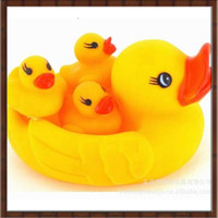 Wholesale 10 Sets Baby Bath Water Toy Rubber Big and Small Ducks Toys Sounds Yellow Duck Kids Bathe Children Swiming Beach Gifts