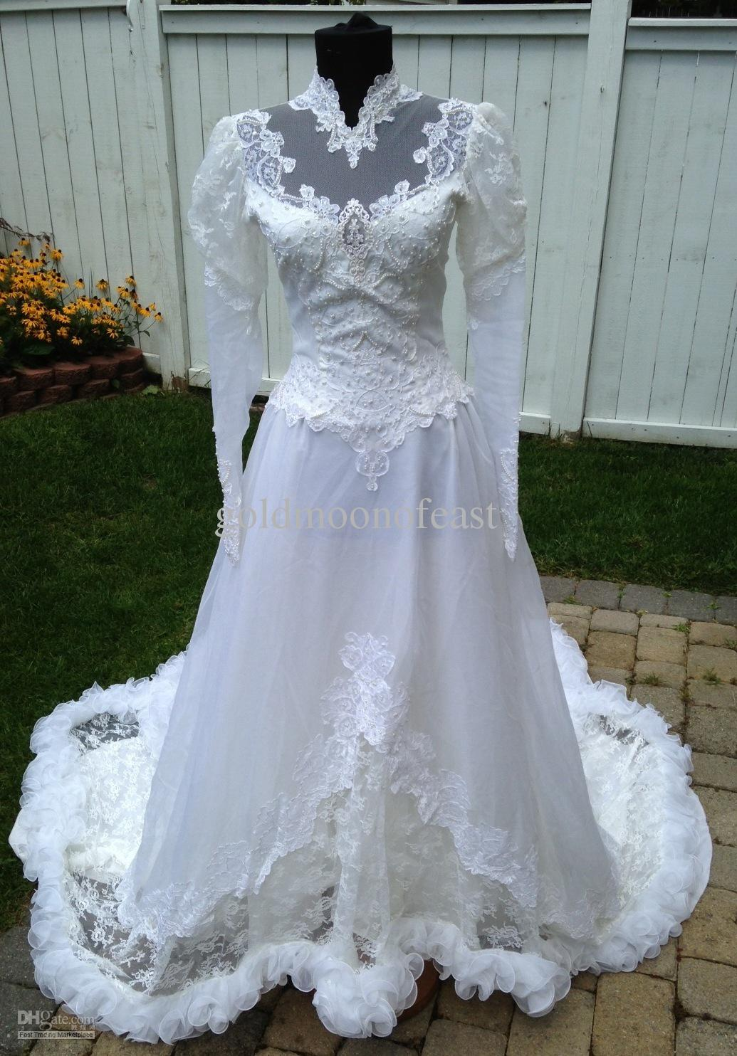 Discount reduced vintage lace a line wedding dress for Lace western wedding dresses