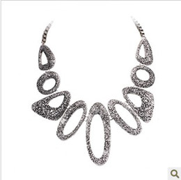 Korea Korean fashion jewelry necklace female short paragraph clavicle European and American vintage alloy necklace jewelry wholesale