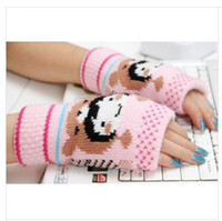 Wholesale The new refers to the lovely doll design and sell like hot cakes type gloves the computer gloves
