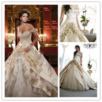 hand embroidery dresses - 2013 Fall Fashion Gold Flowers Princess Style Embroidery Wedding Dresses WDa068