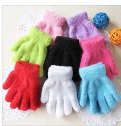 Wholesale Winter pure color kindergarten children aged to white gloves small lovely students stage dancing gloves velvet gloves