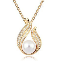Wholesale new arrival high quality zircon angel wing pearl necklace Individualistic lady accesories price