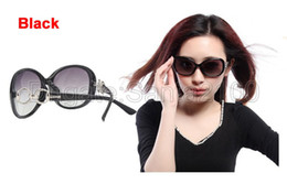 1pcs Women's Polarized Sunglasses Designer Fashion Sun Glasses Eyewear Discount Price Great Quality 4 Colors