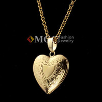 Wholesale Vintage Lovely Heart Photo Locket Pendants K Gold Plated Choker Necklace Charms Floating Lockets Jewelry MGC P197