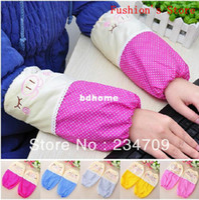 Wholesale ree shopping Han edition wave point cute cartoon pig anti fouling sleeve long sleeves oversleeve sleevelets pair