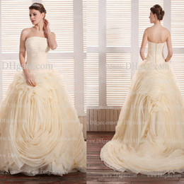 Wholesale Luxury Ball Gown Strapless Pleated Bodice Champagne Floor Length Long Tulle Wedding Bridal Gowns dhyz