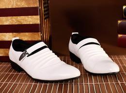 Descuento hombres zapatos nuevos estilos Los zapatos de boda de los hombres de moda rápidos de los nuevos calzan los zapatos de cuero del estilo del doblez Los hombres únicos calzan HM82