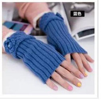 Wholesale The new winter day the Korean version of fashion ladies half gloves hook lace knitting wool gloves fingerless warm