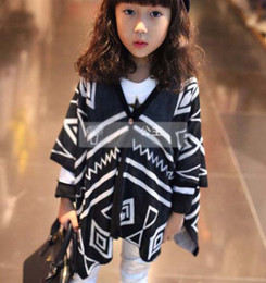 Wholesale Manches longues T shirt Chemises enfant enfants col en V shirts Vêtements fille Cardigan en maille Vêtements pour enfants filles noir Shirt Mode Décontracté