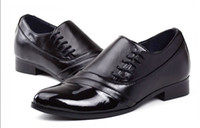 Wholesale NEW HOT style Men s wedding shoes Mens black and white leather shoes Unique men casual shoes HM103
