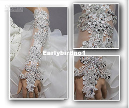 Wholesale NEW unique princess Bud silk sequins crystal flower Fingerless Lace Bridal Gloves Wedding Gloves Decorating Bride Yourself