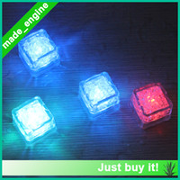 Wholesale LED ice cubes waterproof luminous ice induction ice cubes