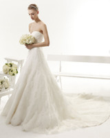 aire wedding - Elegant Sweetheart Lace Wedding Dresses Spaghetti Court Train A Line Aire Vintage YASIRA Bridal Gowns Covered Button Ruffle