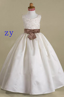 Cheap Ball Gown Flower Girl Dresses Jewel Neck Floor Length With Sash Bow Appliques Lace Pageant Dresses For Little Girls