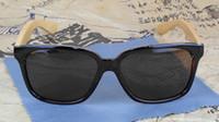 Nueva manera de la llegada de madera gafas de sol lentes negro fresco de bambú Sun Glasses Mujeres Gafas Diseñador 4 colores 12pcs / lot