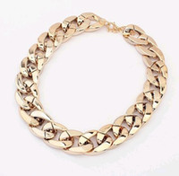 Wholesale Gold Twisted Chunky Chain Fashion Lady s Polish Statement Choker Collar Necklace High Quality