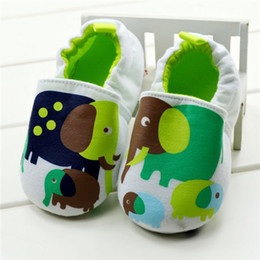 Wholesale Cute Baby Shoes First Walker Cotton Comfy Unisex Anti Slipping Shoes AAA quality made by Environmental material baby safe