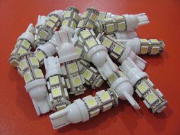 Compra Online Luces del coche rojo-50pcs / lot T10 194 168 bombilla de las bombillas de las bombillas de los bulbos de las bombillas blancas calientes del coche 9 5050 SMD LED Bulbo del coche 12V.