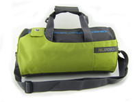 Wholesale New arrival barrel type travel tote crossbody gym bag colors available