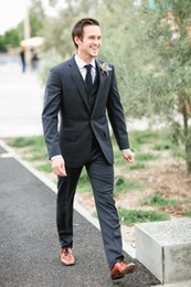 Wholesale High Quality New Fashion Custom Made Wedding Groom Suits Handsome Groom Tuxedos jacket pant tie vest