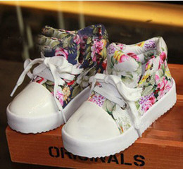 Wholesale New Arrival Childrens Casual Shoes Korean Style Princess Shoes Retro Flower Printed Canvas Shoes