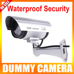 Wholesale Solar gun type monitors Security Use Real Looking Dummy Fake CCTV Camera Security Camera with LED Flashing Lights for Home Property