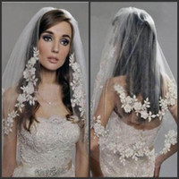 Wholesale Sparkling Two Layers Elbow Length Veil Sequins Appliques Lace On The Edge White Ivory Tulle Short Veil Cheap Bridal Veil With Comb