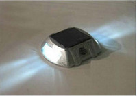 Wholesale Solar Road Stud powered by sunlight solar aluminum casting spike LED traffic lights signal