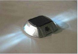 Wholesale Solar Road Light LED Solar Gardening lighting Stud powered by sunlight solar aluminum casting spike LED traffic lights signal