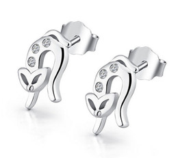 NEW Fine Jewelry Swiss Diamond Stud Earrings Ladies S925 Sterling Silver 30% White Gold Overlay Fox Earrings Stud Freeshipping