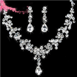 STOCK 2019 High Quality Luxury Crystals Two Pieces Earrings Necklace Free Shipping Rhinestone Wedding Bridal Sets Jewelry Set Jewerly