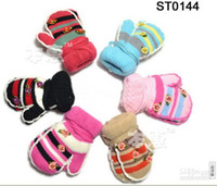Wholesale Brand New girls small flower mittens children lovely gloves kids winter warm Children s gloves